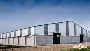 Hőszigetelés nélküli épületek (hidegcsarnokok) egyrétegű trapézlemez burkolata 1.